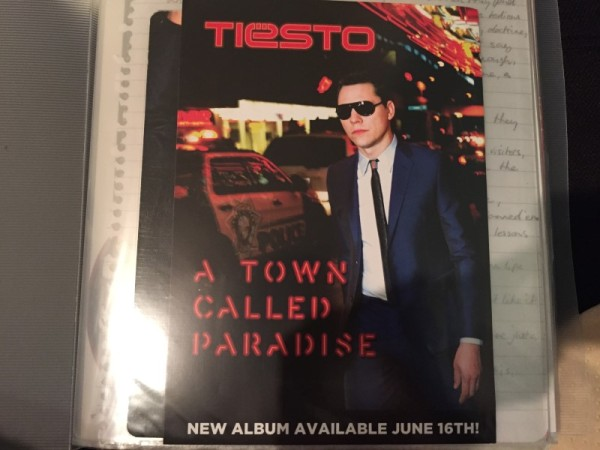 Tiesto - A Town Called Paradise (Signed CD) 2014 (1)