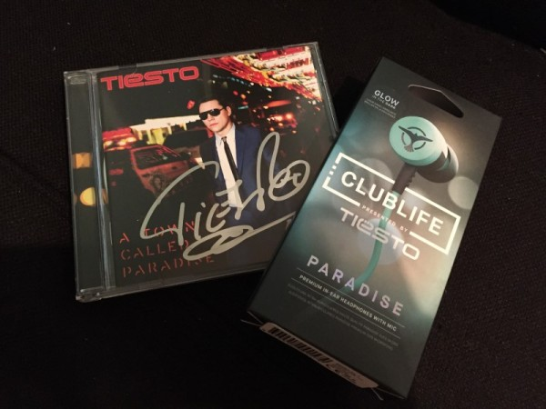 Tiesto - A Town Called Paradise (Signed CD) 2014 (4)