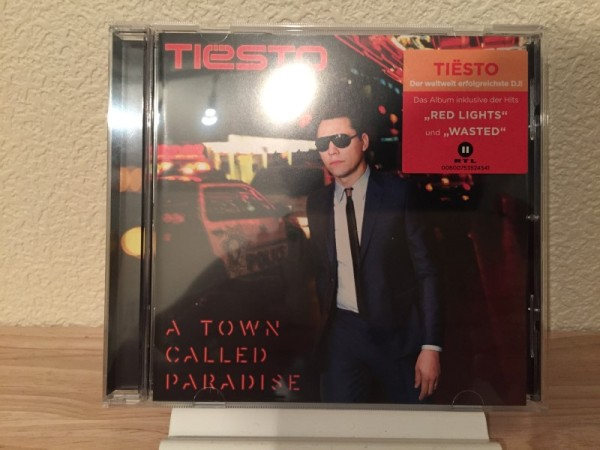 Tiesto - A Town Called Paradise (PMAM Recordings) 2014 (1)