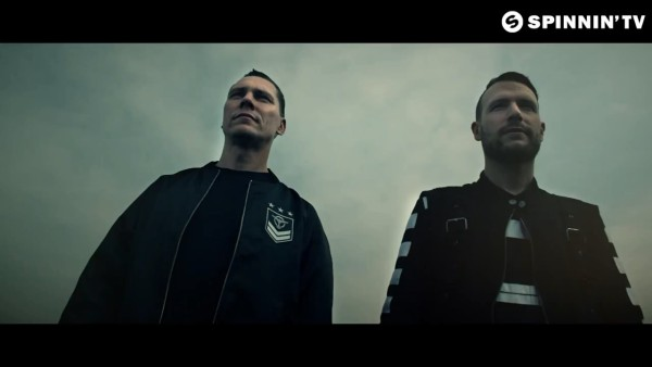 Tiesto & Don Diablo feat. Thomas Troelsen - Chemicals (Official Music Video) 2015 (3)