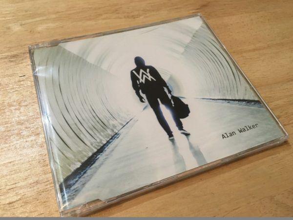 Alan Walker feat. Iselin Solheim - Faded (Incl. Tiesto Remixes) (CDM) 2016 (1)