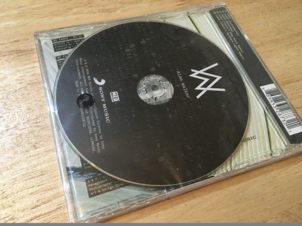 Alan Walker feat. Iselin Solheim - Faded (Incl. Tiesto Remixes) (CDM) 2016 (2)